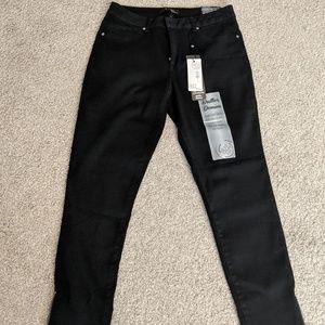 NWT Black Skinny Jeans 1822 Denim